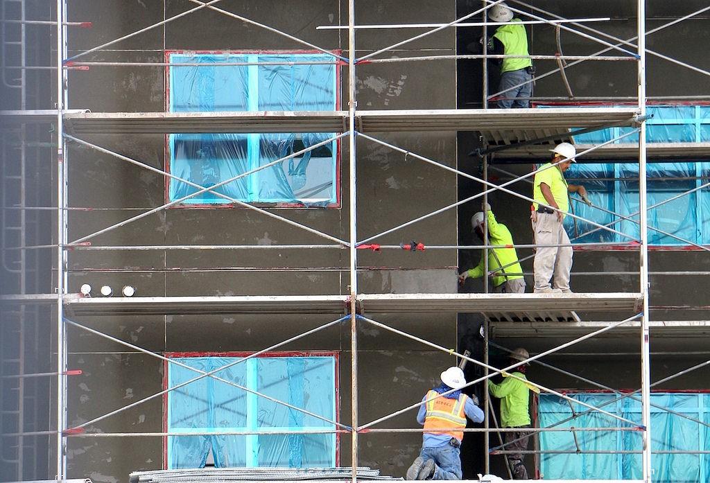 Keselamatan Bekerja Saat Menggunakan Alat Berat